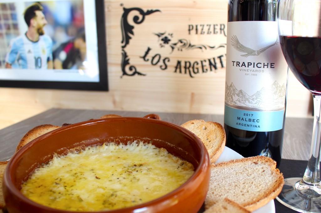 #Argentina #Artesanal #Bilbao #Bizkaia #ComidaArtesanal #ComidaCasera #ComidaSana #Euskadi #Queso #Provolone #Provoleta #Food #Foodporn #MasaArgentina #MasaArtesanal #PaísVasco #ParqueAmetzola #PizzaBilbao #Pizzas #PizzasArgentinas #PizzasBilbao #PizzasCaseras #PizzeríaArgentina #PizzeríaBilbao #PizzeríaLosArgentinos #Restaurante #Vizcaya