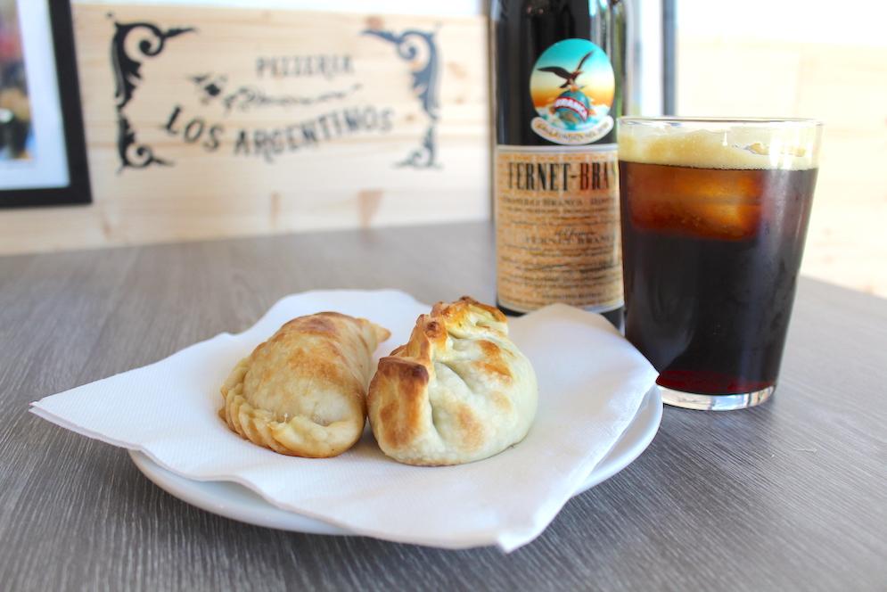 Fernet_Empanadas_Pizzeria_Losargentinos